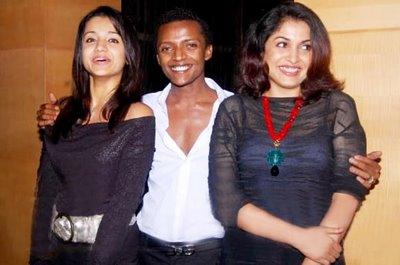 ramya-trisha-with-Sydney Sladen