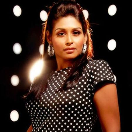Leena-is-set-to-make-her-Bollywood-debut-with-Soorjit-Sircars-Madras-Cafe-starring-John-Abraham