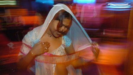 மும்பை நடன பெண்கள்.6