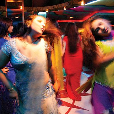 மும்பை நடன பெண்கள்.7