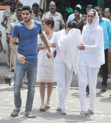 pancholi-attended-funeral-of-jia-khan