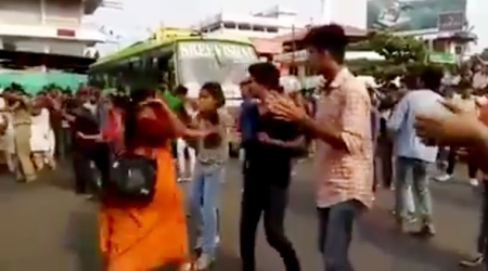 kerala-woman-slap_her-daughter