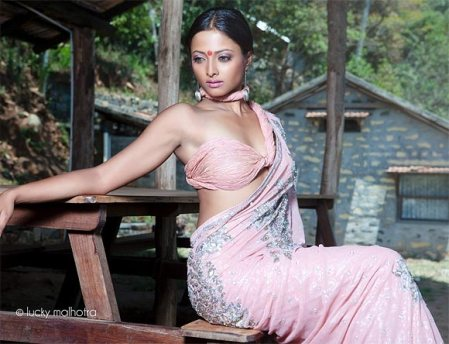 nivedhita-actress-harassed-at-goa