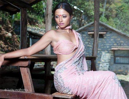 nivedhita-actress-harassed-at-goa