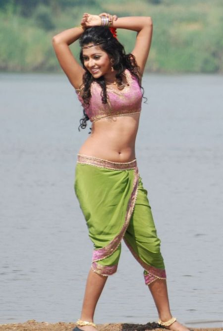 amala-paul-hot-photo-collection-5